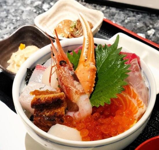 魚と肴と酒処 八仙のメイン画像2