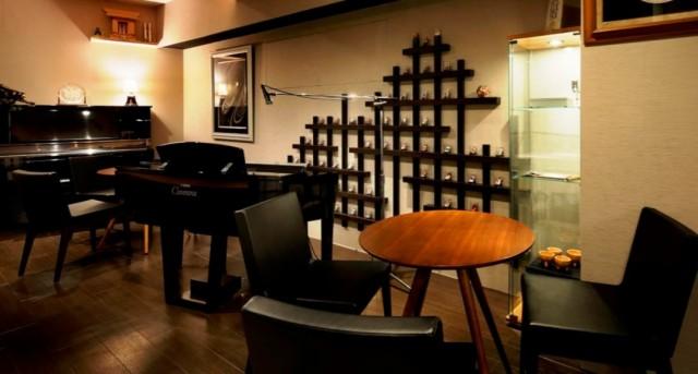 花札占いカフェ&Piano Bar Tower8のメイン画像2